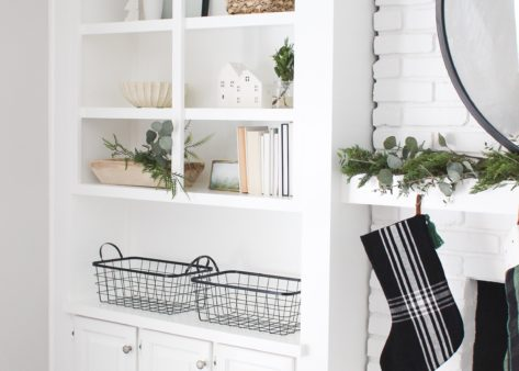 A Minimalist's Guide to Holiday Shelf Decor